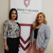 La abogada Virginia Velasco y la psicóloga forense María Leticia Jáen
